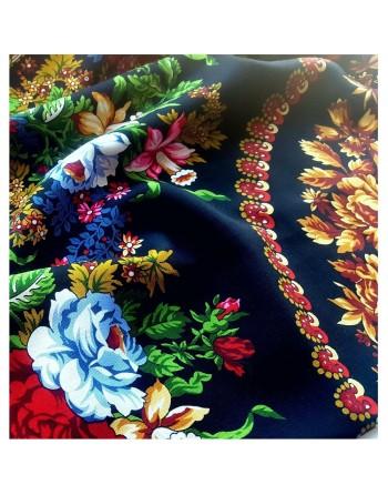 373-18-sal-esarfa-batic-din-lana-148x148cm-original-pavlovo-posad-rusia-model-floral-belyye-rozy-pe-fundal-negru